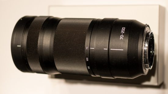 Panasonic 70-200mm L-mount lens