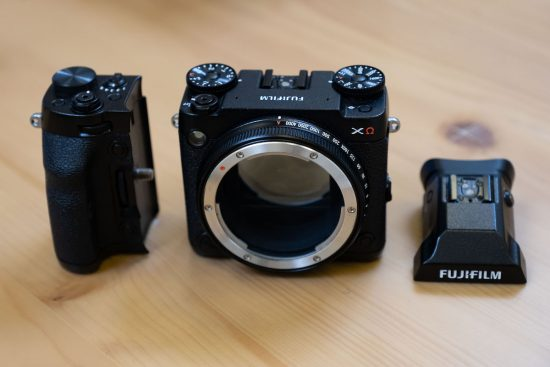 More pictures of the Fujifilm GFX XΩ modular medium format mirrorless camera prototype