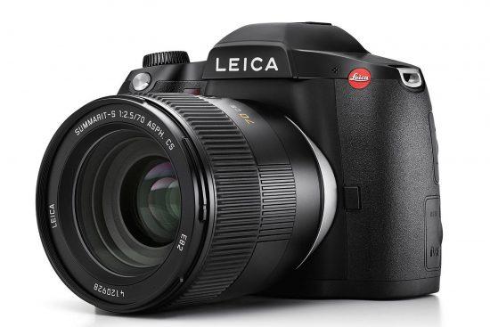 Leica S3 medium format camera delayed