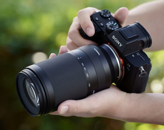 More pictures of the new Tamron 70-300mm f/4.5-6.3 Di III RXD lens for Sony E-mount (model A047) leaked online